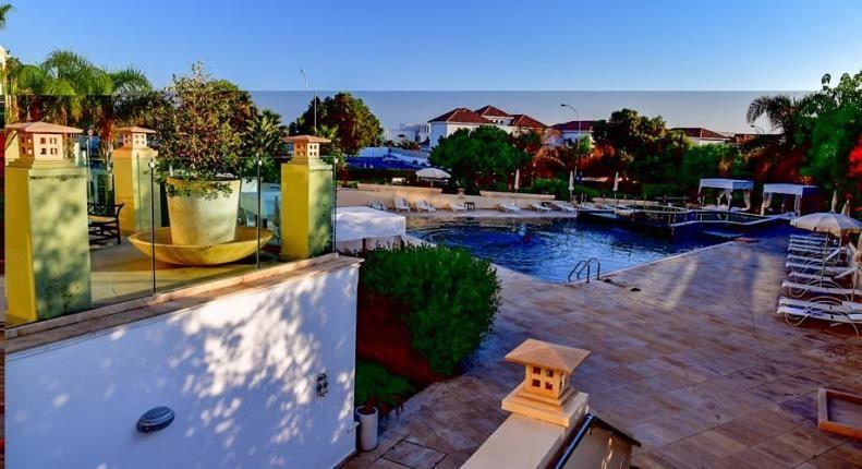 E Hotel на Кипре